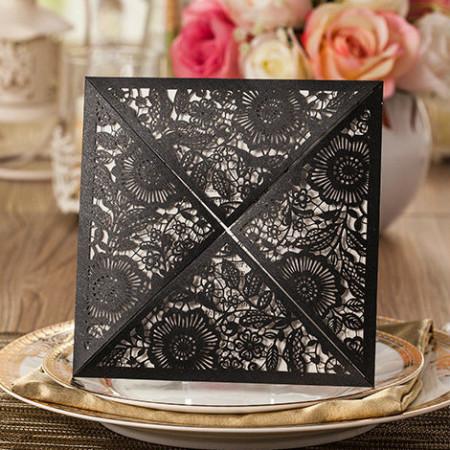 Faire-part dentelle triangle fleurs noir