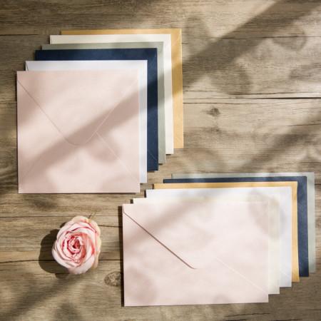 Enveloppes de couleurs